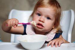 kot za hranjenje enoletnega otroka v meniju