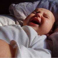 kiedy zaczyna się kolka niemowlęcia