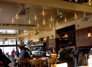 Зал кафе Belga