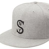 бела бејзболска капа13
