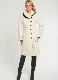 Biały płaszcz 2013 2