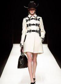 Biały płaszcz 2013 5