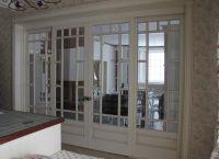Białe drzwi we wnętrzu 8