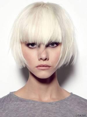białe włosy 9