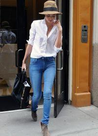 Bílá košile a džíny 1