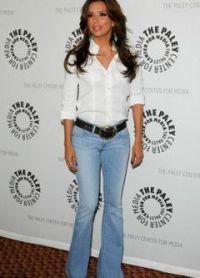 Bílá košile a džíny 5