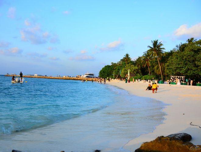 Один из местных пляжей