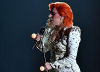 Леди Гага в образе Дэвида Боуи