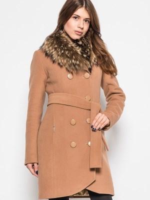 Zimowy wełniany płaszcz z futerkowym kołnierzem9