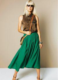 Шта носити са зеленом сукњом 2
