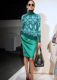 Какво да носите със зелен пуловер1