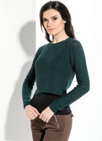 Какво да носите със зелен пуловер2