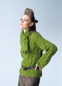 Какво да носите със зелен пуловер4