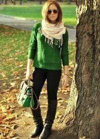 Какво да носите със зелен пуловер8