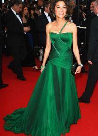 co se oblékat smaragdovými šaty 3