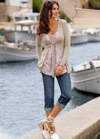 Какво да носите с капри джинси 3