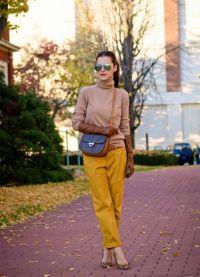 Co se nosit s hořčicími kalhotami 1