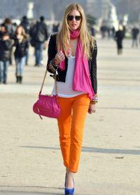 Co nosit s hořčicími kalhotami 6