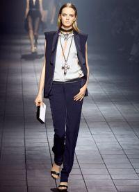 garnitury damskie w męskim stylu 9
