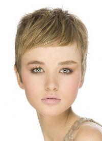 Modne fryzury dla okrągłej twarzy 1
