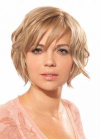 Modne fryzury na okrągłą twarz 7