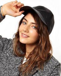 Кожени шапки за жени 2