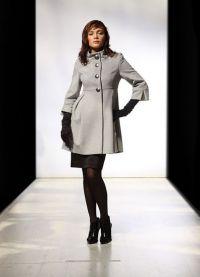 Krótki płaszcz damski 7