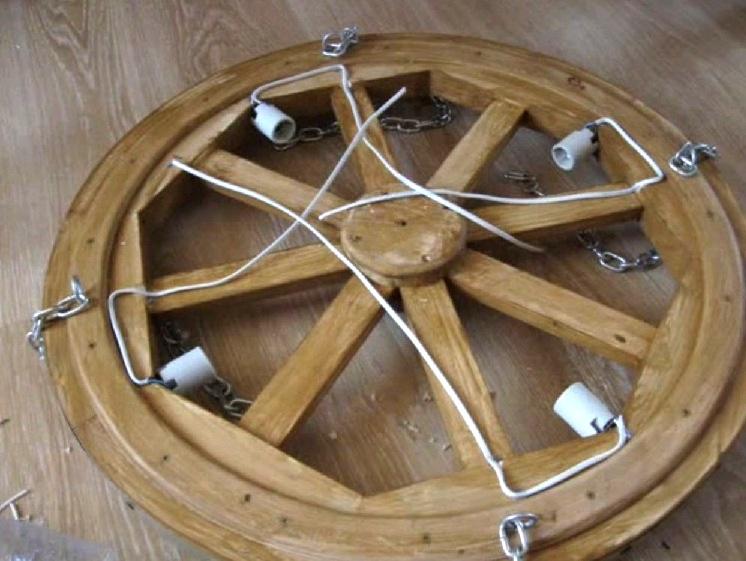 Świecznik wykonany z drewna własnymi rękami 36