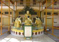 Пагода Ботатхаун изнутри