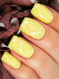 žuta manikura 2014. 10