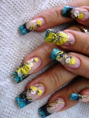 žuta manikura 2014. 12