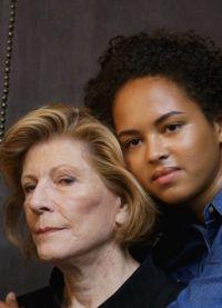 Покровительница искусств Агнес Гунд со своей внучкой