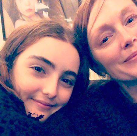 Джулианна Мур с дочерью